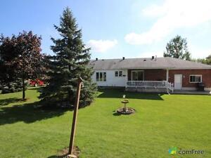 $364,900 - Bungalow for sale in Windsor Windsor Region Ontario image 2