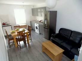 Outstanding double room available in Manor house just 150 Pw no fees 2 weeks deposit