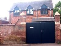2 bedroom house in Velwell Road, Exeter