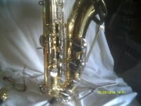 A YAMAHA TENOR SAXOPHONE In MINT CONDITION , INDISTINGUISHABLE from NEW come & see .