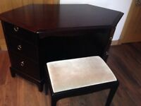 Dark wood corner dresser table