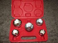 Brand new 5 pce oil filter set