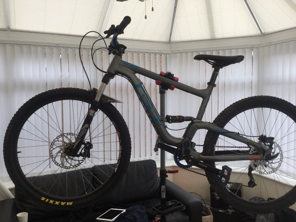 STOLENSTOLEN MOUNTAIN BIKEin Liverpool, MerseysideGumtree - PLEASE CAN ANY ONE HAVE A LOOK OUT FOR MY SONS MOUNTAIN BIKE WICH WAS STOLEN FROM THE FAZAKERLEY AREA ON SATURDAY REWARD WILL BE Given THANK YOU VERY MUCH LEE