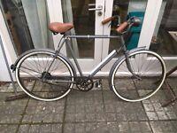 Triumph reconditioned dutch style town bike - 60 cm / 23 Inch