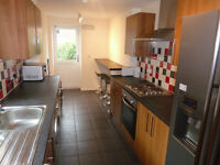 Double rooms available in a spacious 6 bedroom professional share on Tosson Terrace in Heaton