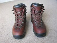 Scarpa Women's Mountain Boots Size 7