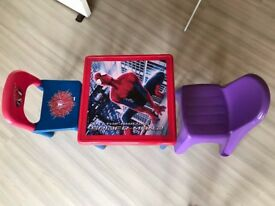 Toddler Spider-Man Table and Chair + 1 toddler plastic chair