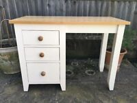 Good Quality Desk with 3 drawers