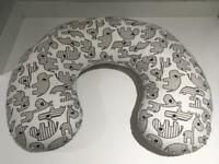 Breastfeeding support pillow