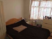 STUDENTS! DOUBLE BEDROOM WITH ENSUITE FROM JUNE 1ST! 5 MIN WALK FROM UNIVERSITY! £550 PER MONTH!!