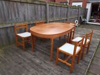 Dining table and chairs for sale only £20. Contact 07808139672