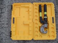 Kompress KHH13C, two speed, hand hydraulic crimper, crimping tool & case. Cembre.