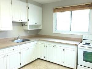 11739-122 Street - ALL INCLUSIVE! FREE RENT! 2 bed main floor! Edmonton Edmonton Area image 7