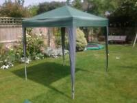 Gazebo pop-up 2m x 2m with side panel