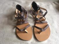 Ladies flat sandals brand new size 5/38 grey new £4