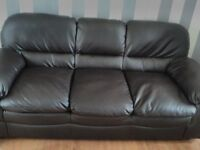 2 and 3 seater leather suite for sale