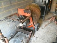 Cement mixer electric comes with a stand in good working order