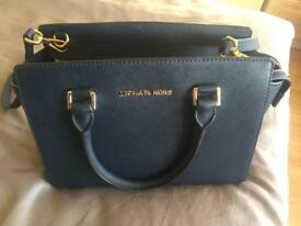 Michael kors navy medium bag