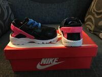 Nike hurache toddler trainers