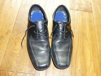 Clarks Bootleg narrow size 9 E shoes- good used condition