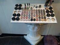 bella pierre make up stand