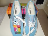 A Genuine KALASITY Pair Of Flat Pumps Size 5(38) Lovely Light Blue With Pink Hearts Design