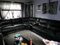 Harvey's leather corner sofa (logan)