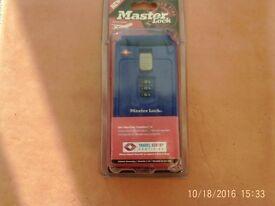 Master Lock 4682DBLR blue (new in original packaging)