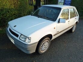 Vauxhall Nova Luxe Plus 1.2l White K Reg 1992