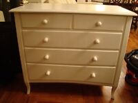 CREAM LOVELY 5 DRAW CHEST FRENCH DESIGN LEGS WITH LOVELY DETAIL SPACE NEEDED ONLY £65