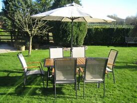 Garden table in aluminium and wood + 6 Chairs in aluminium, wood and woven fabric + Sun Shade