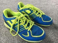 Grays hockey shoes size 4