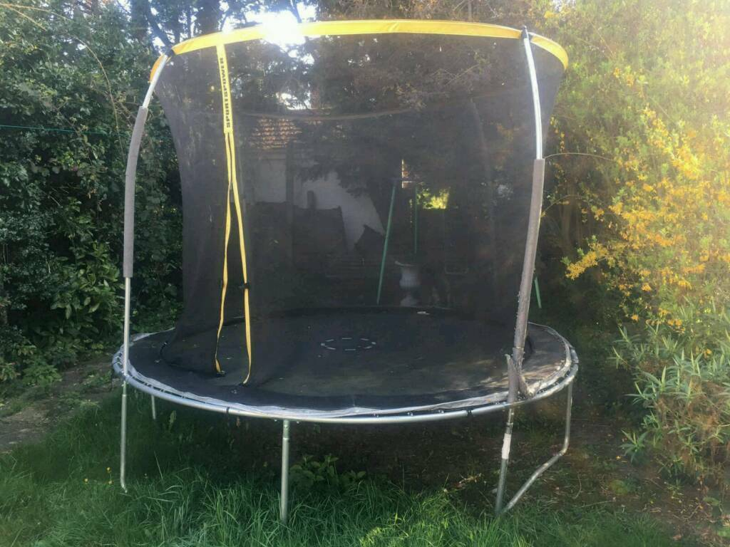 Sportswear trampoline 12ft good conditionin Redbridge, LondonGumtree - Sportswear trampoline 12ft good condition. Assembly time 2 people 40min. Collection only. Postcode IG