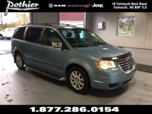2008 Chrysler Town & Country Touring | CLOTH | STOW N'GO SEATS |