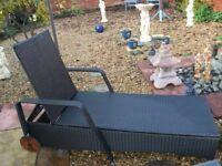 ratton garden lounger