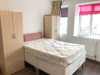 4 Bedroom flat, Burnt Oak Broadway, Edgware - £1550pcm