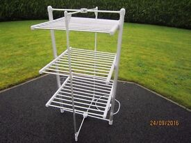 HEATED FOLDING CLOTHES RAIL AIRER