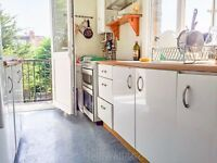 Three Bedroom Flat to rent in Ealing West London - Available Now - furnished or unfurnished