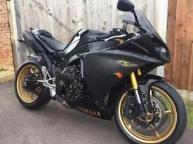 2010 Yamaha R1. Big Bang,