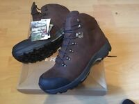 Berghaus FellMaster GTX Sn00 Size UK12 Mens Walking Boots in Brown. Brand New, Boxed & Tagged