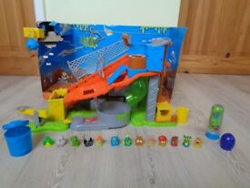 The Trash Pack Sewer Dump Playlet with several figures