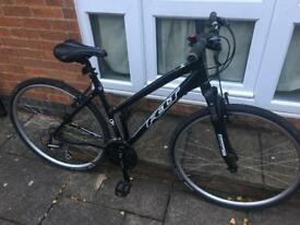 FOR SALE!!! 700c hybrid pushbike