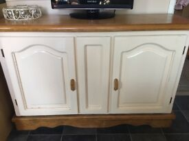 Lovely oak and cream sideboard