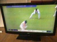 """42"""" LG LCD TV WITH FREEVIEW. EXCELLENT CONDITION"""