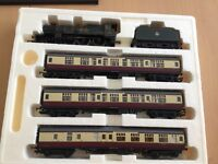 Hornby Castle Class Train Pack 'Sudeley Castle'