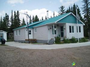 150 000$ - Chalet à vendre à Mont-Valin Saguenay Saguenay-Lac-Saint-Jean image 1
