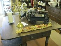 VINTAGE GEORGIAN 'PEMBROKE' TABLE. DUAL FOLDING. SHELF AT END. VIEWING/DELIVERY AVAILABLE