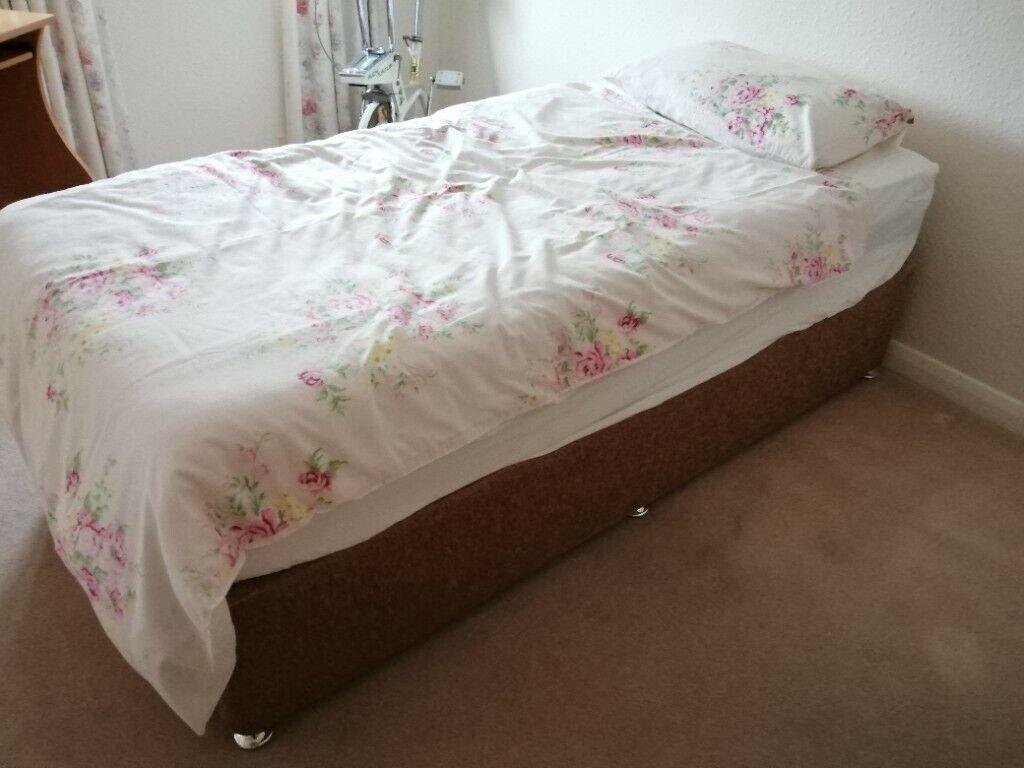 Picture of: Single Divan Bed In Mansfield Nottinghamshire Gumtree