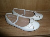 White Ballet style shoes size 1 junior