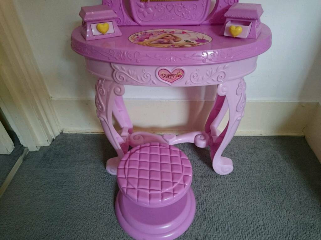 Rapunzel toy beauty table and stool set